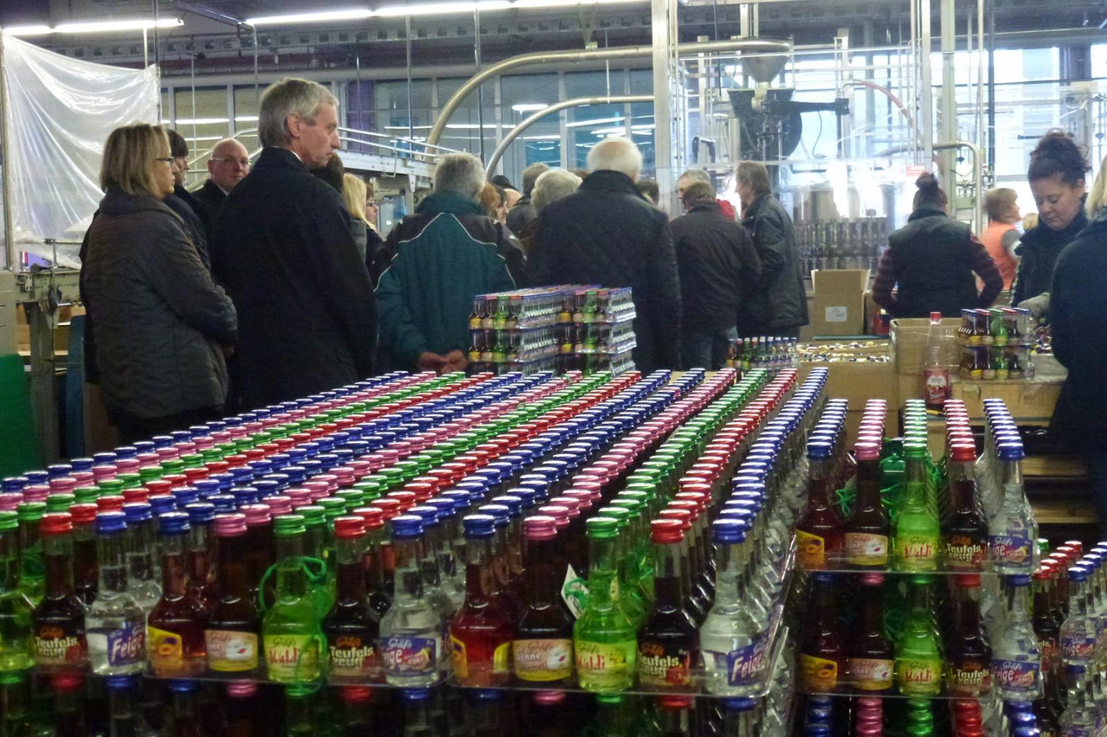 2013: Besichtigung der Destillerie Rauch